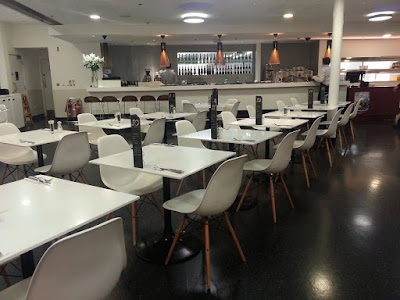 Ghế Eames -  Sự lựa chọn hàng đầu cho quán cafe