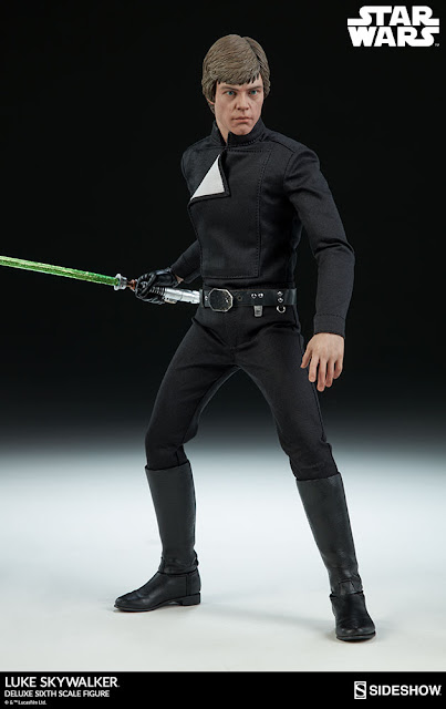 Remove the gray tunic and attach Lukeu0027s black leather-like belt with a pouch and saber hook to recreate his Jedi look from his final showdown with Darth ...  sc 1 st  Toyhaven & toyhaven: Preorder Sideshow Collectibles 1/6th scale Star Wars Luke ...
