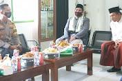 Perkuat Tali Silaturahmi, Kapolres Baru Kunjungi Ketua MUI Kabupaten Enrekang