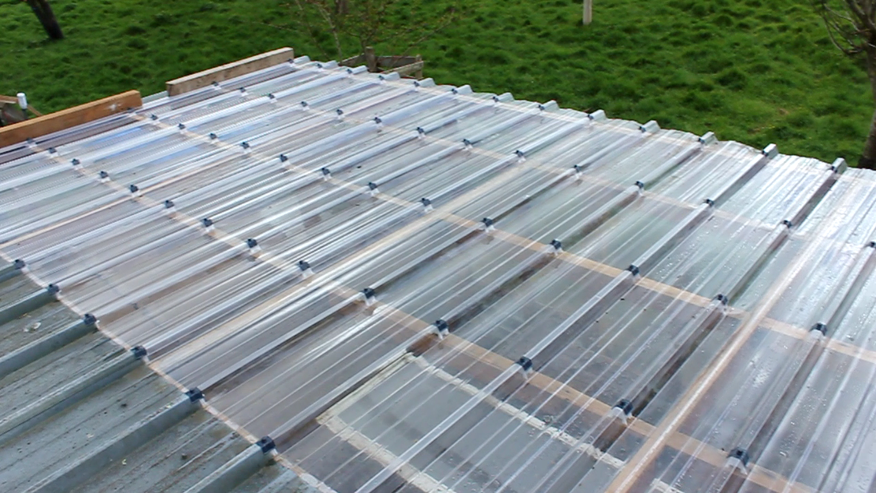 rigid clear plastic roofing for recuperated glass greenhouse