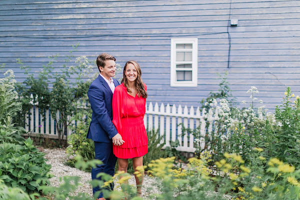 Downtown Annapolis Sunrise Summer Engagement Session photographed by Maryland Wedding Photographer Heather Ryan Photography