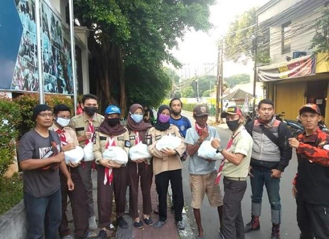 Gerakan Tengok Tetangga (Gerag) Brasco Bersama Pemuda Pancasila Pengadegan