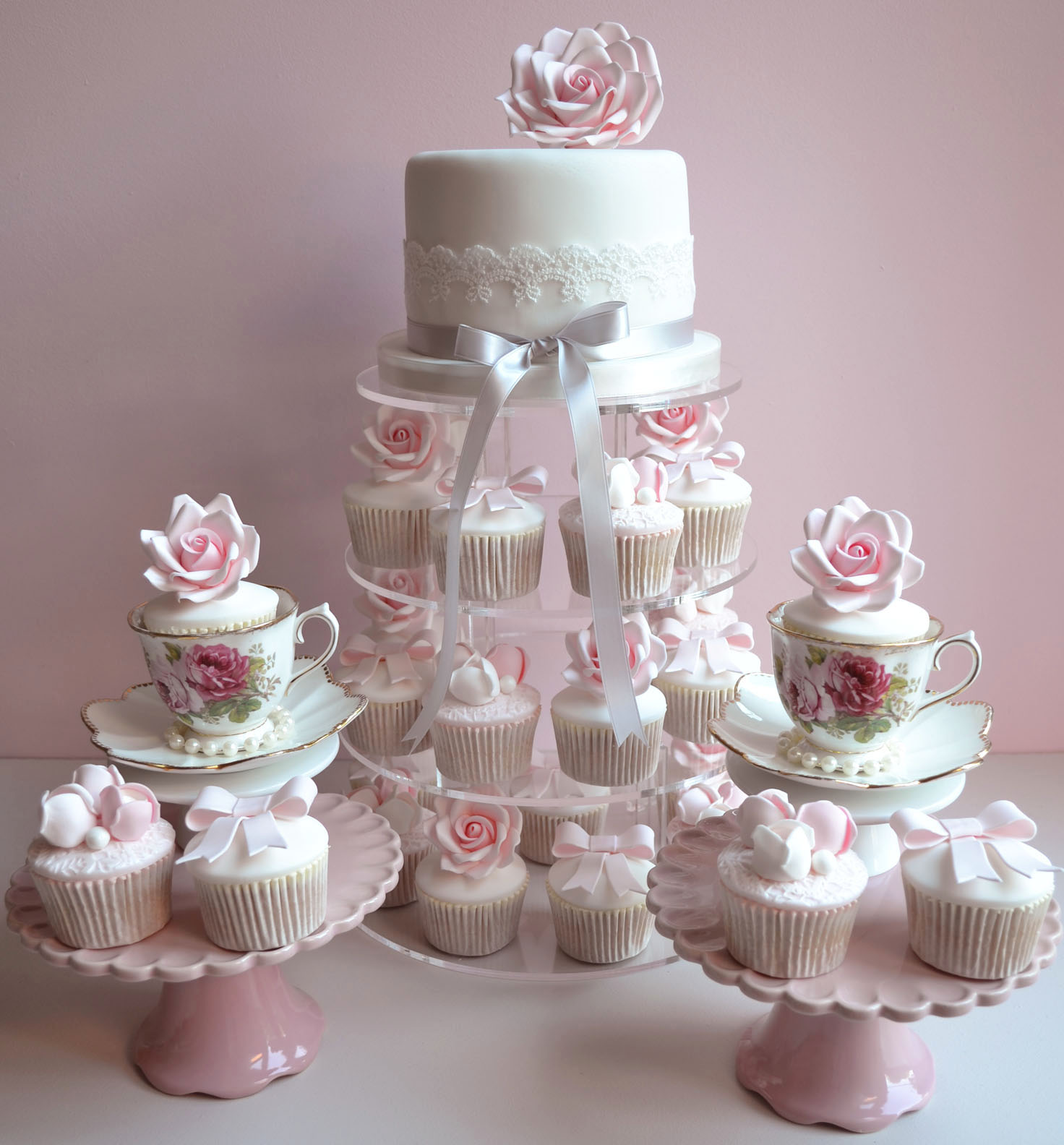 Cupcake Ideas For Wedding: Little Paper Cakes: Beautiful Vintage Wedding Cupcakes