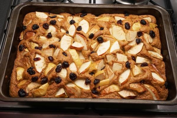 ciasto szybkie, z jabłkami, żurawiną, mało cukru
