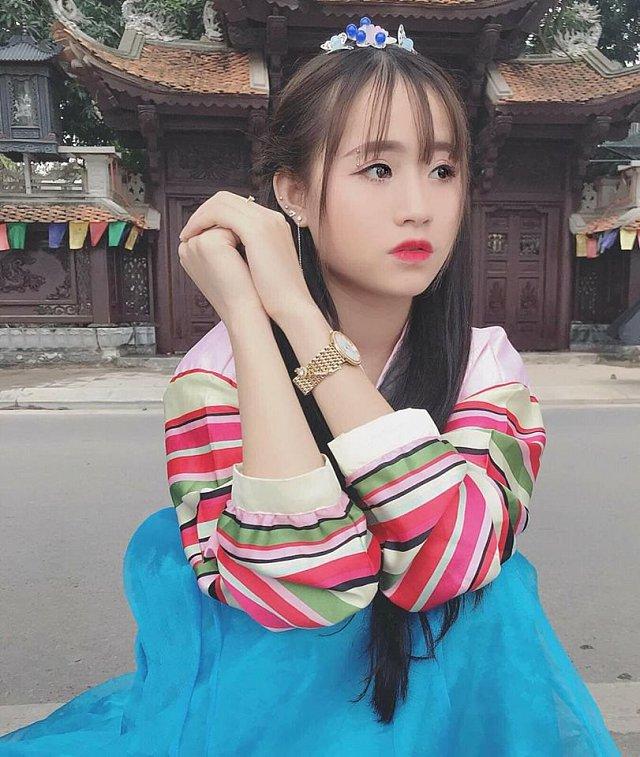 Hót girl Tạ Thị Phương Thúy