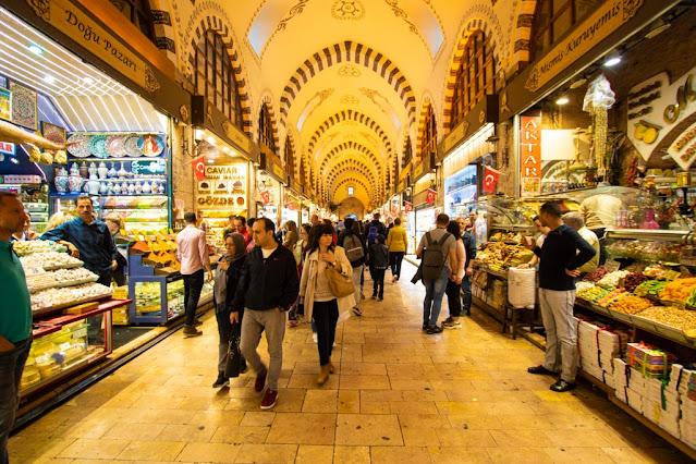 Bazar delle Spezie o Mercato egiziano (Misir Carsisi)-Istanbul