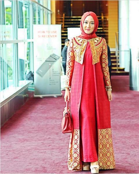 ッ 20 Model Blazer Batik Wanita Muslimah Dian Pelangi Modern Cantik