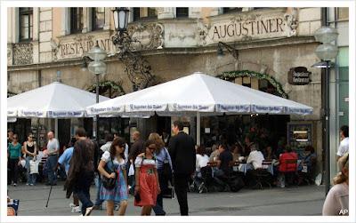 Fußgängerzone-Restaurant Augustiner
