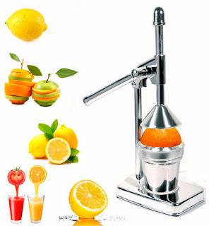 menggunakan-alat-peras-jeruk.jpg