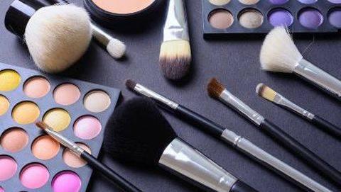 Istri Tampil Tanpa Makeup, Suami Kaget Lihat Wajahnya & Langsung Minta Cerai