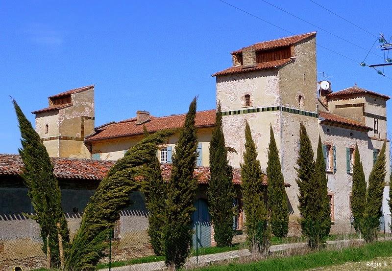 http://www.panoramio.com/photo/20233477