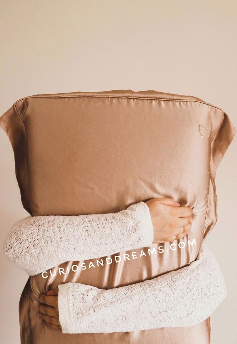 Dame Essentials, Dame Essentials review, Dame Essentials Silk Pillowcase, Silk Pillowcase India, Silk Pillowcase