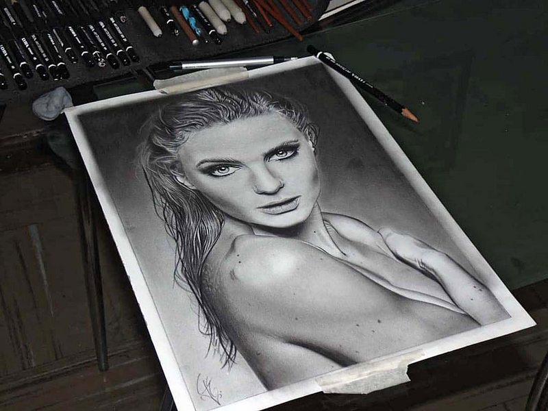retrato de Josefina Montané con lápiz grafito