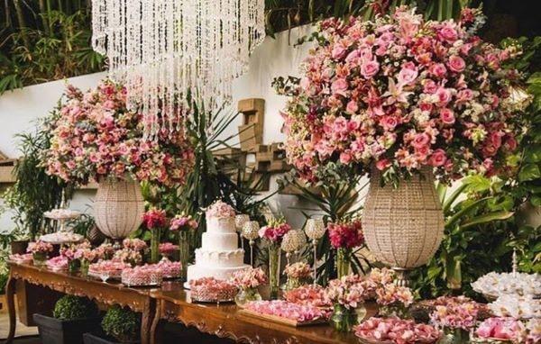 dicas para economizar nas flores do casamento