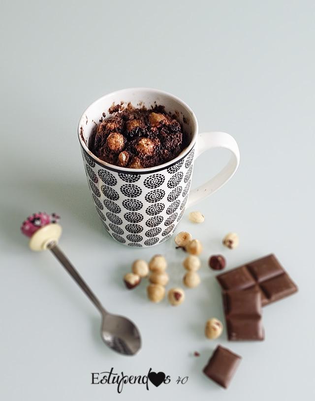 Mug cake de crema de avellanas con cacao