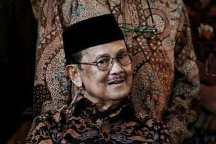 Inilah 5 Prestasi B.J Habibie Yang Membanggakan Indonesia