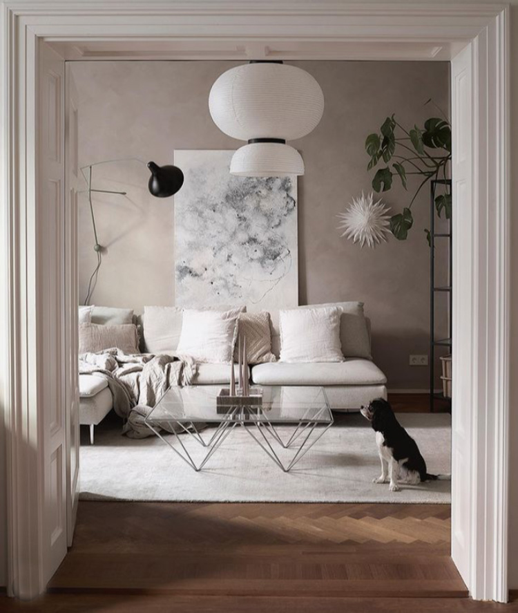 Dreaming of a White Christmas In A Munich Home