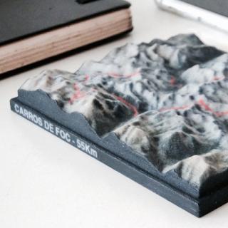 Nicetrails est une carte avec le tracé d'un circuit en montagne imprimée en 3D