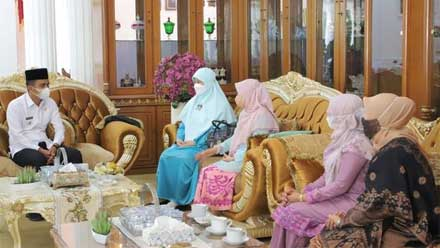 Wawako Sambut Kunjungan Ketua Dekranasda Sumbar ke Kota Solok