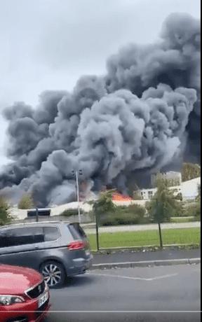 فيديو حريق فرنسا فى مستودع فى لوهافر الفرنسية
