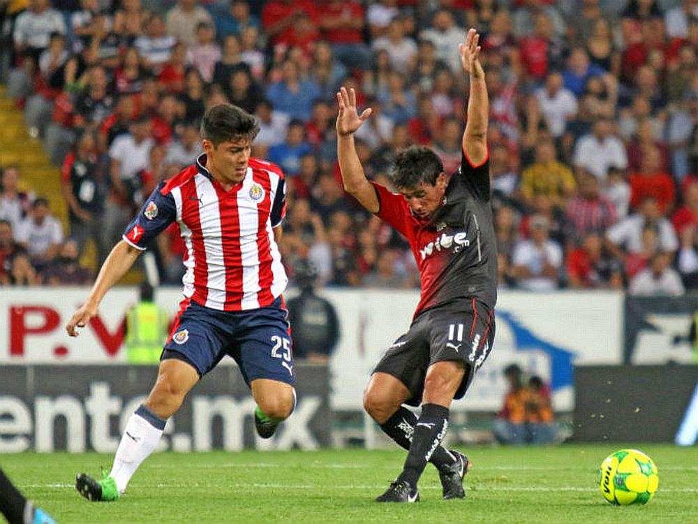 Una patada de Michael Pérez sobre Alustiza causó el tiro penalti que dio la victoria 1-0 al Atlas.