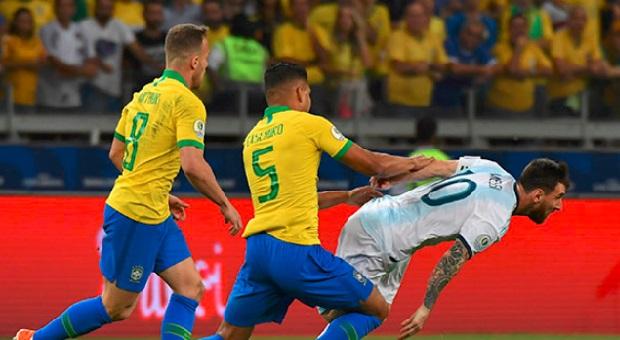 Kalah Dari Brasil, Lionel Messi Salahkan Wasit
