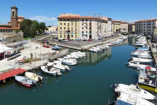 The Venice quarter, seen from the Holy Trinity bridge, Livorno