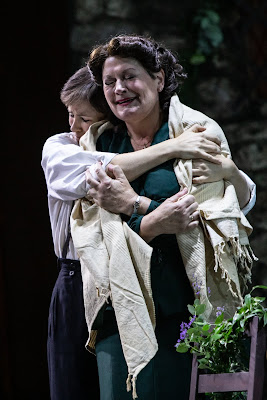 Cilea: L'Arlesiana - Samantha Price, Yvonne Howard - Opera Holland Park 2019 (Photo Ali Wright)