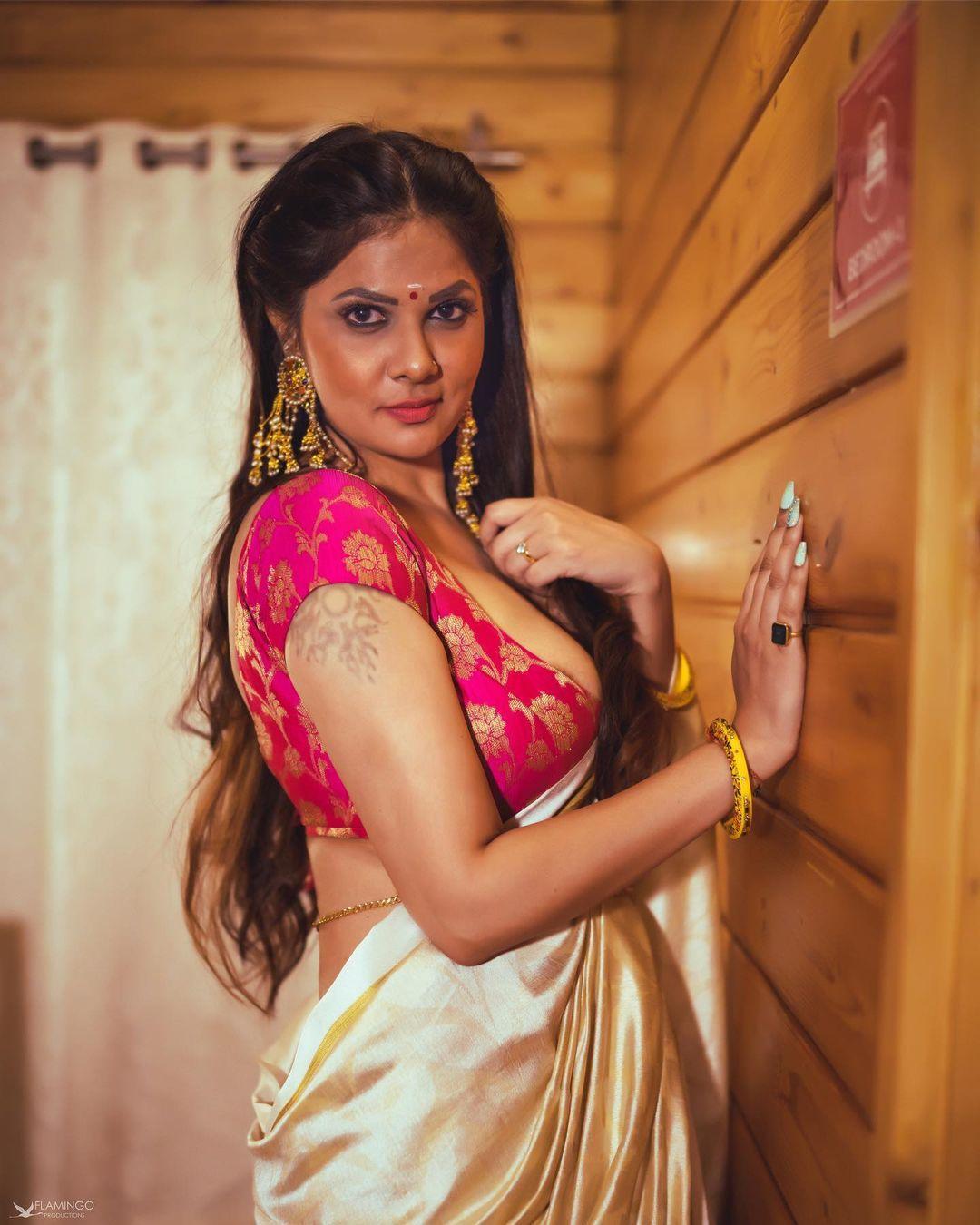 Actress Aabha Paul Latest Hot Photoshoots Video