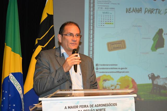 Em última ação à frente do governo de RO, Daniel Pereira exonera comissionados