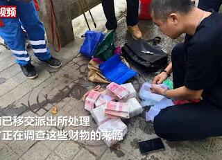 Wanita Pekerja Kebersihan Temukan Tas Berisi Rp1,4 Miliar  dan Jam Tangan Mewah
