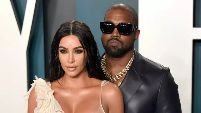 Officially: Kim Kardashian filed for divorce from Kanye West