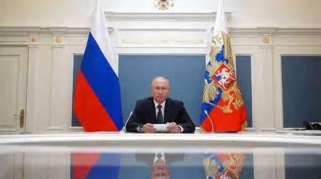रूसी राष्ट्रपति व्लादिमीर पुतिन ने दुनिया को बेलारूस में हस्तक्षेप नहीं करने की चेतावनी दी