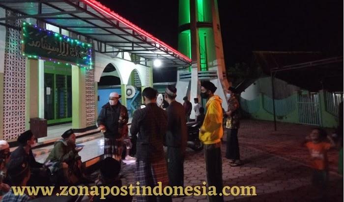 Pemuda MT Darul Hijrah Karanganyar Tegalampel Bondowoso, Lakukan Kegiatan Pembacaan Shalawat Burdah Keliling