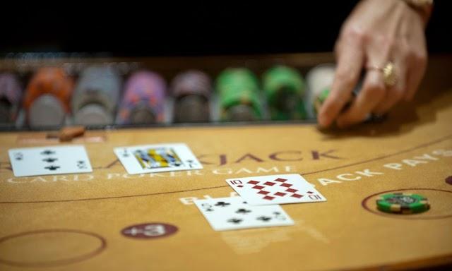 Cara Mudah Bermain dan Mengalahkan Mesin Agen Casino Online Terbaru