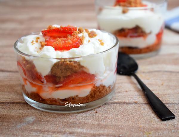 Trifle de Fresas. Vídeo Receta