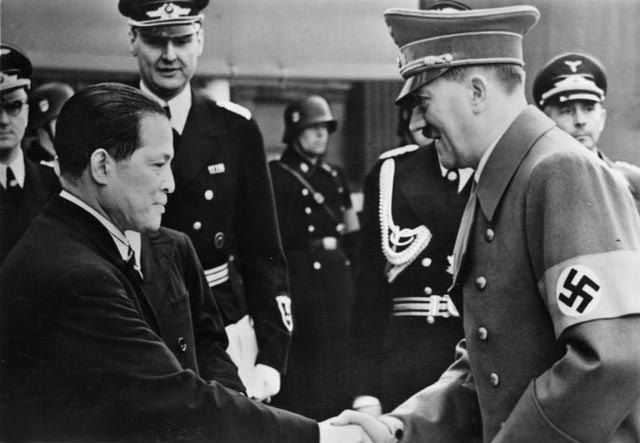 Hitler with Japanese Ambassador Oshima worldwartwo.filminspector.com