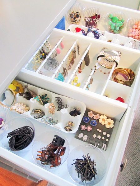 Use an egg crate to organize jewerly