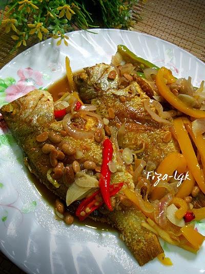 IKAN GORENG MASAK TAUCU   Fiza's Cooking