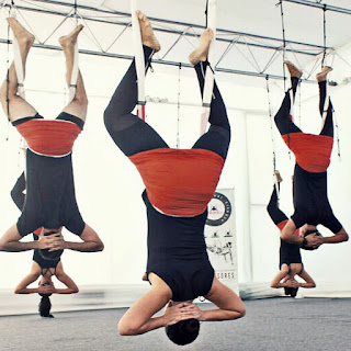 yoga aérien, formation yoga aérien, aeroyoga, formation yoga aérien, cours aeroyoga, cours yoga aérien, fly yoga, flying yoga, we love flying, stage yoga, satge yoga aérien