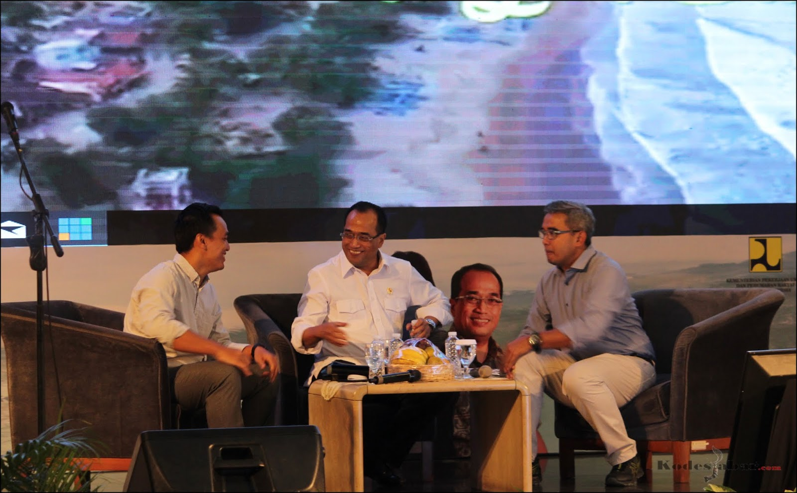 Dialog Nasional 16 Indonesia Maju bersama Menteri Perhubungan Republik Indonesia.