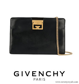 Meghan Markle carried GIVENCHY GV3 frame clutch bag