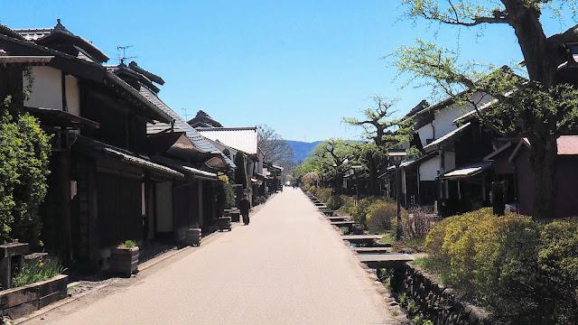 佐久平から信州の五稜郭・龍岡城へ。千曲川に出て折返し、小諸・懐古園、海野宿を経由して上田まで走るサイクリングコース。東信の桜の名所を巡ります。