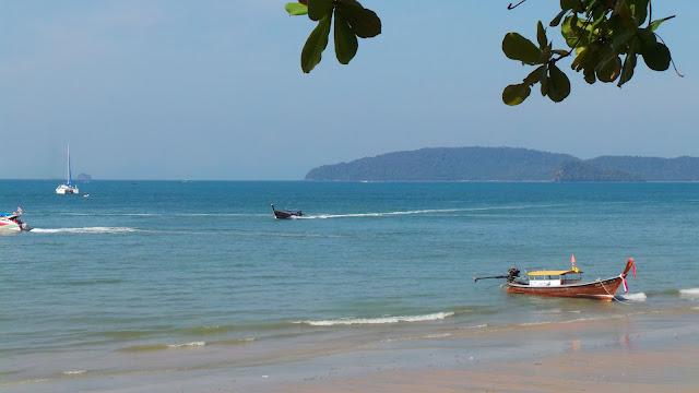 อ่าวนาง หรือ หาดอ่าวนาง เป็นชายหาดที่มีชื่อเสียงของจังหวัดกระบี่ และยังเป็นศูนย์กลางการท่องเที่ยวทะเลกระบี่ไปยังเกาะน้อยใหญ่ต่างๆ เช่น เกาะพีพี อ่าวมาหยา หาดไร่เลย์ หาดถ้ำพระนาง ฯลฯ