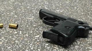 criminal-arrested-with-four-pistol