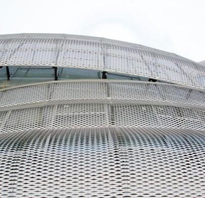 Vista fachada alumino anodizado perforado