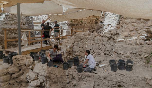 culturelovers  Πού βρέθηκε χρυσό σκουλαρίκι της Ελληνιστικής Εποχής ... b6658764992