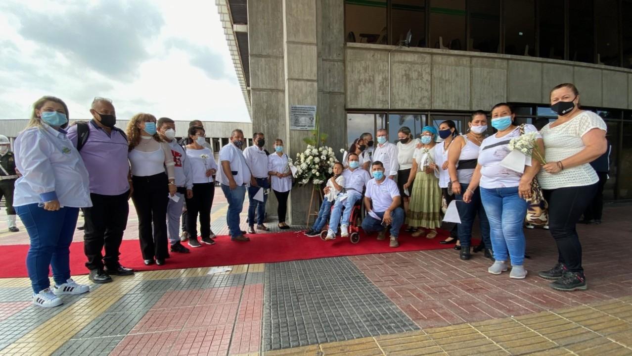 Con placa y ofrenda floral conmemoraron el Día de la Memoria y Solidaridad con las Víctimas en Risaralda