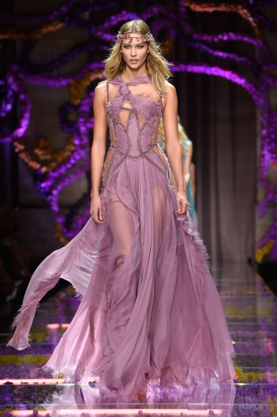 Karlie Kloss: Versace Fashion Show 2015
