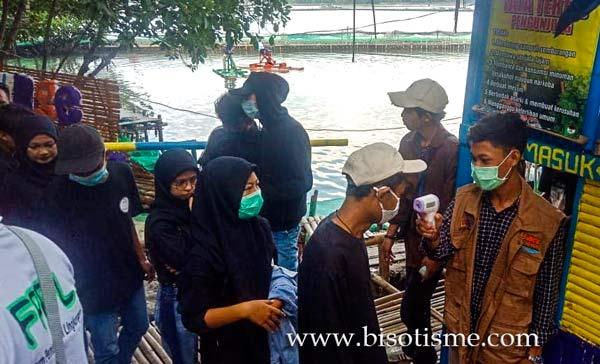 Covid Ekowisata Mangrove Sunge Jingkem di Kampung Sembilangan Bekasi